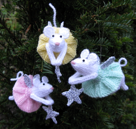 Christmas Fairy Mouse Ornament Free Knitting Pattern