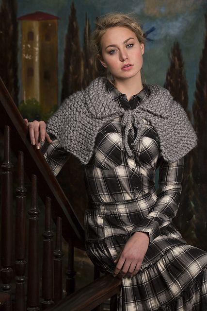 Romantic Capelet Free Knitting Pattern