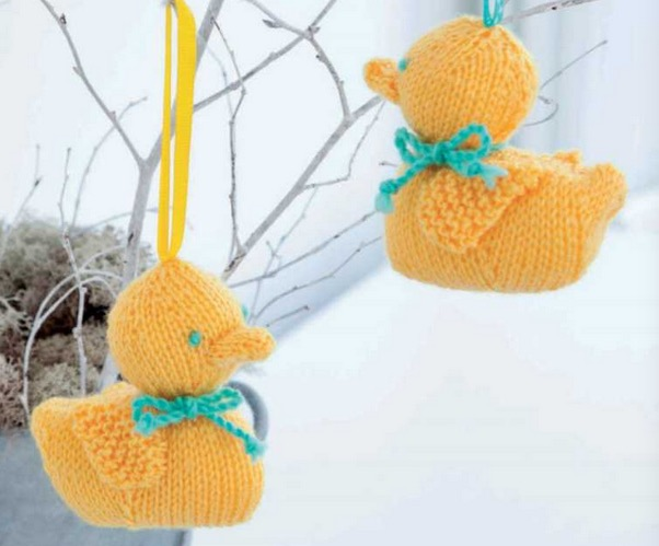 Amigurumi Easter Duckling Free Knitting Pattern