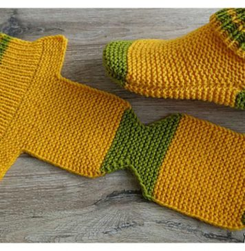 Flat Knit Slippers Free Knitting Pattern and Video TutorialFlat Knit Slippers Free Knitting Pattern and Video Tutorial