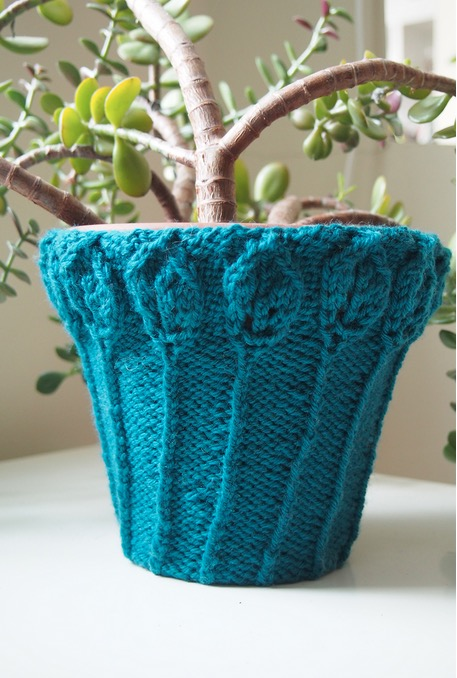 Plant Pot Cosy Free Knitting Pattern