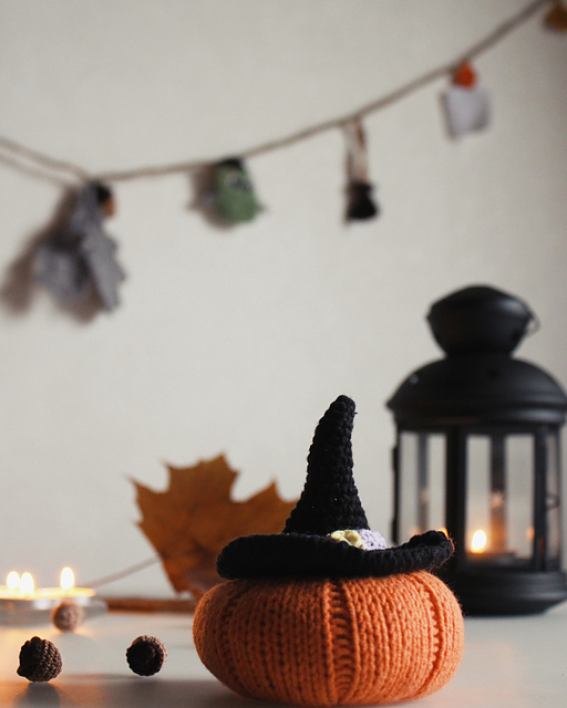 Pumpkin in Hat FREE Knitting Pattern