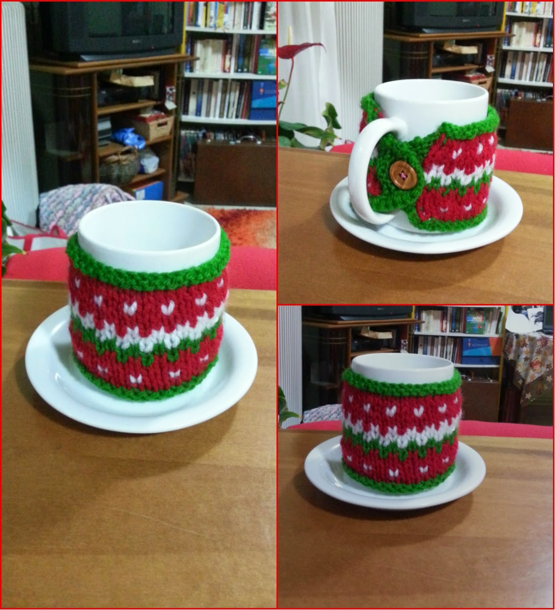 Christmas Cozy Mug Free Knitting Pattern