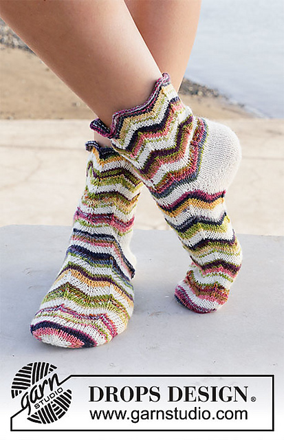 Serpentines Zig Zag Socks Free Knitting Pattern